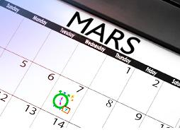 Bilde av en kalender for mars måned. Bildet illustrerer at med hjelp av vår menstruasjons kalender kan planlegge bedre for de dagene du er sannsynlig å få mensen.